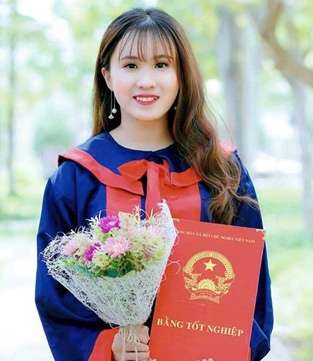 Đồng phục tốt nghiệp cấp 2 M05