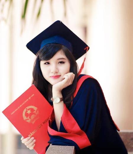 Đồng phục tốt nghiệp cao đẳng M03