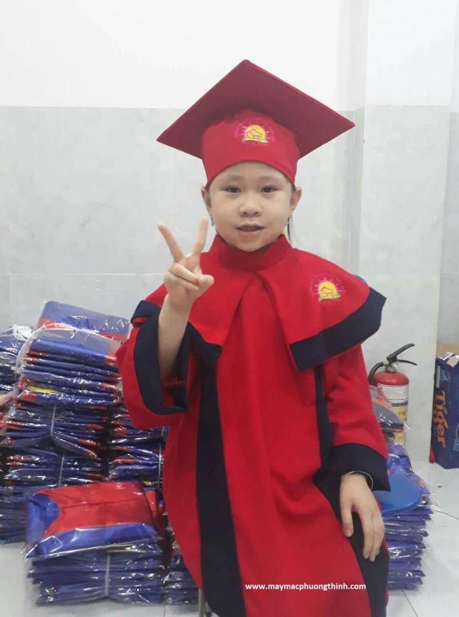 Đồng phục tốt nghiệp mẫu giáo M05