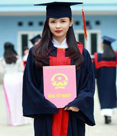 Đồng phục tốt nghiệp đại học M02